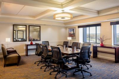 Hotel Doubletree By Hilton Leominster Ma Booking Com