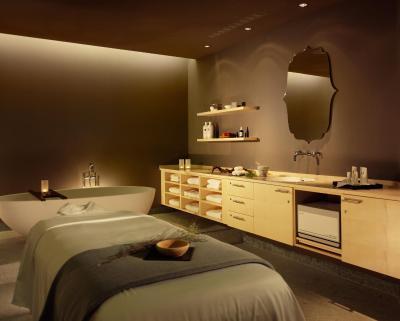 Hotel swiss tel am schloss dresden germany for Designhotel dresden
