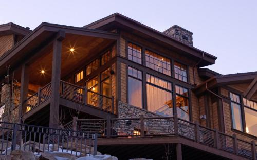 Whitetail Lodge - Five Bedrooms