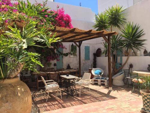 Os 10 melhores albergues em albufeira portugal - Hostel casa dos arcos ...