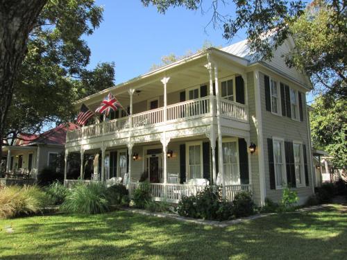 Carriage House Fredericksburg