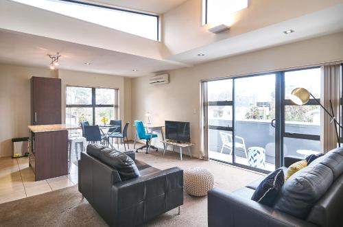 Carlton Penthouse - Christchurch Holiday Homes