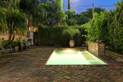 Private Oasis with Pool/Parking