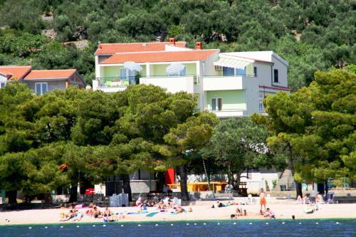 Rooms & Apartments Villa Anka