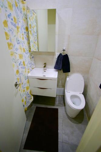 Clinton Hill - 3 Bedroom 2 Bathroom Apartment