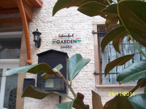 Garden Suite / Apart