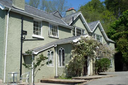 Geufron Hall Bed and Breakfast