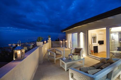 Uma varanda ou terraço em La Malandrina