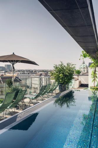 المسبح في غراند فرديناند فيينا - يور هوتيل إن ذا سيتي سنتر أو بالجوار