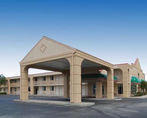 Baymont Inn & Suites Sandusky