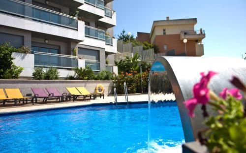 Nexus Benalmádena Suites & Apartments