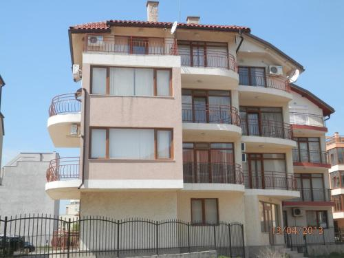 Deva Apartments