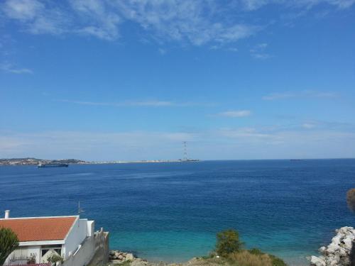 Cảnh biển hoặc tầm nhìn ra biển từ nhà nghỉ dưỡng