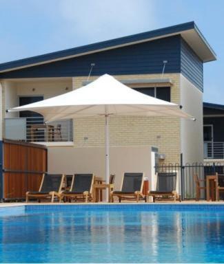 Broadwater Mariner Resort