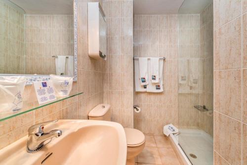 Un baño de Apartamentos Morasol