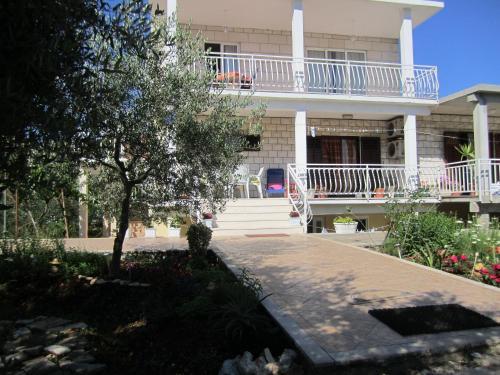 Apartments Biočić