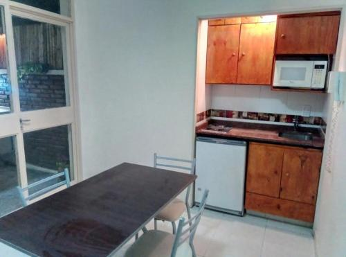 Una cocina o kitchenette en Microcentro Buenos Aires-Obelisco