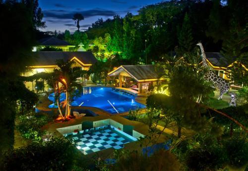 Deep Forest Garden Hotel