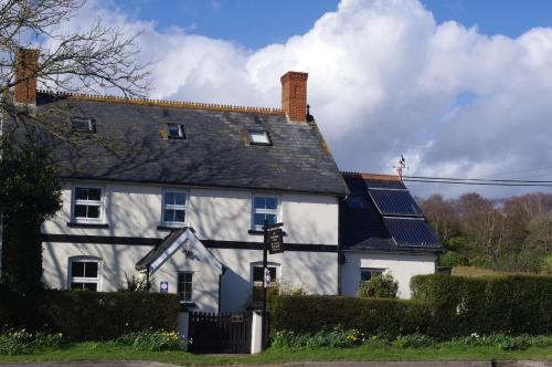 Holmebridge House