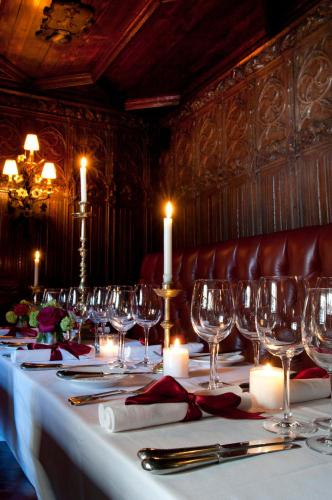 Um restaurante ou outro lugar para comer em The Witchery by the Castle