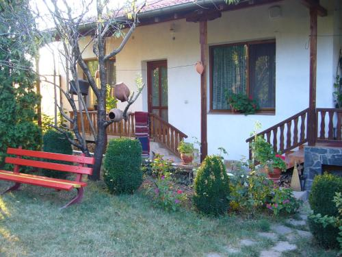 Guest House With The Wooden Plough