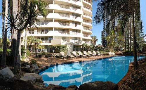 Baronnet Apartments