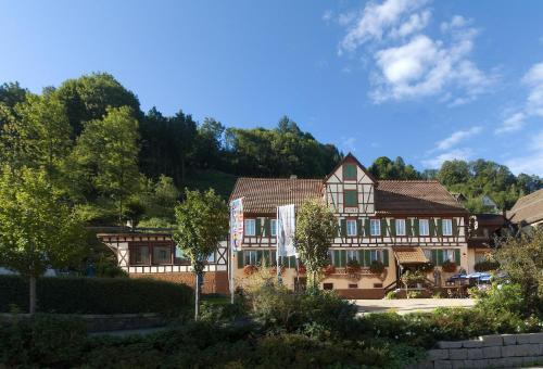 Hotel-Gasthof Zum Weyssen Rössle