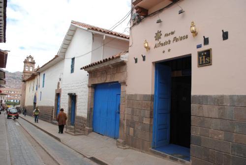 Hostal Alfredo's Palace