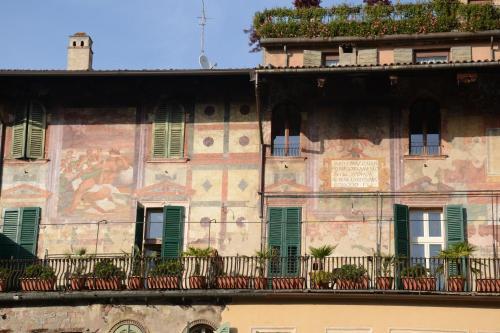 Lady Verona Apartments