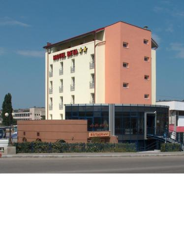 Hotel Beta