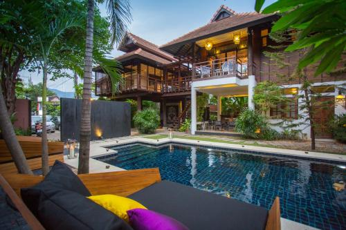 X2 Chiang Mai North Gate Villa