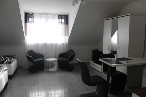 Lipp Apartments