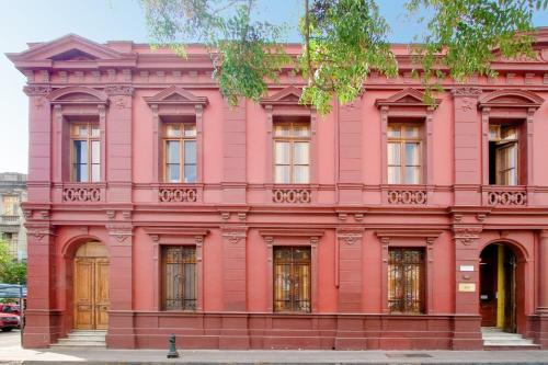 La Casa Roja Hostel