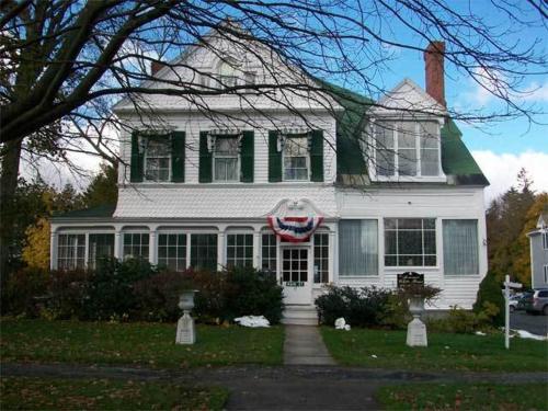The Summer White House Inn