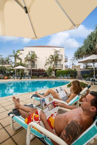 La pileta dentro o cerca de Golden Riviera Beach Resort