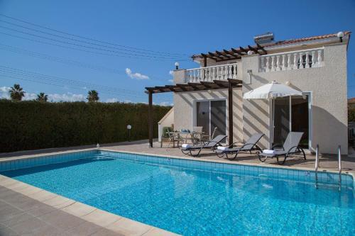 Coral Bay Beach Breeze Villa
