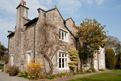 Tros Yr Afon Holiday Cottages and Manor House