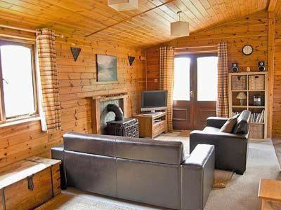 Dhal Lodge