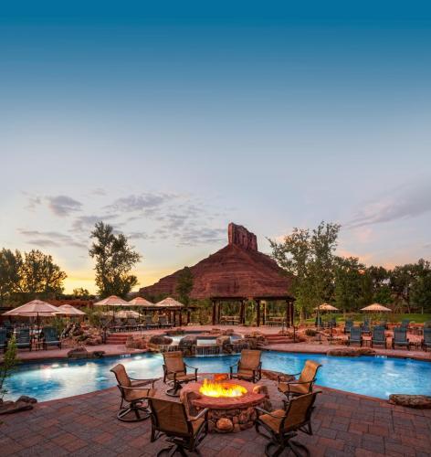 A piscina localizada em Gateway Canyons Resort, a Noble House Resort ou nos arredores