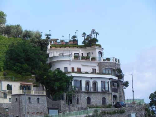 Amazing House 4 Furore