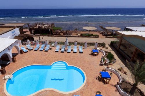 藍色海灘俱樂部酒店