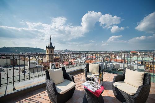 מרפסת או טרסה ב-Hotel Suite Home Prague