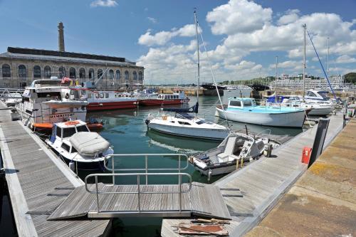 Drake's Wharf