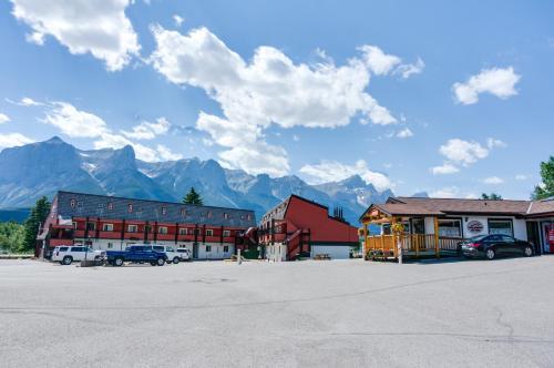 Rocky Mountain Ski Lodge