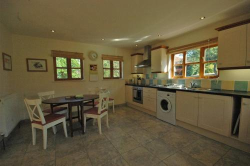 مطبخ أو مطبخ صغير في The Cottage at West Burton