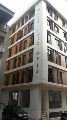 Kara's Aparthotel
