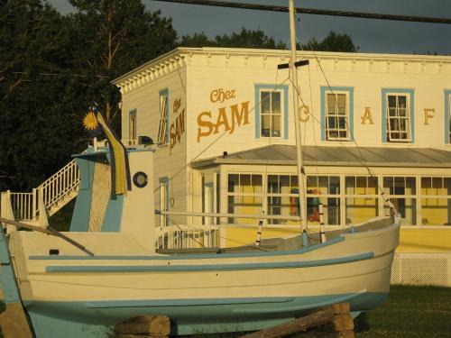 Auberge du Café chez Sam