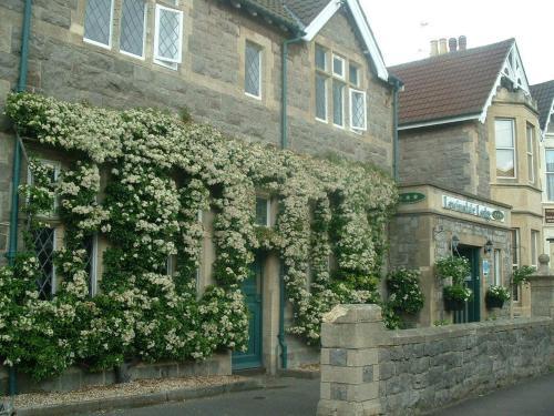 Lewinsdale Lodge