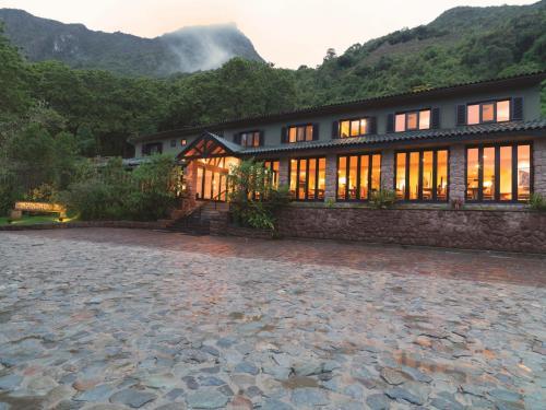 Belmond Sanctuary Lodge