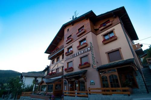As 10 melhores acomoda es em torgnon it lia for Hotel col de fenetre